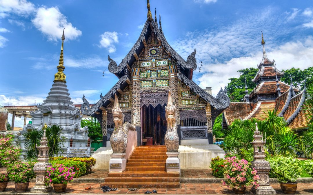 4 Helpful Tips for Backpacking Through Southeast Asia