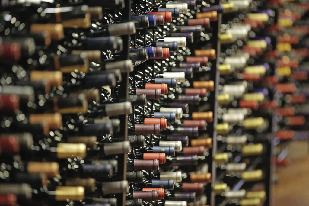 Underground Cellar Reveals How to Choose the Best Wine on a Low Budget